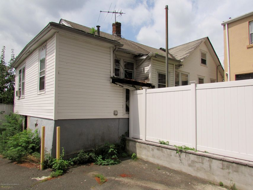 Additional photo for property listing at 96 Hancock Street  Staten Island, New York 10305 United States