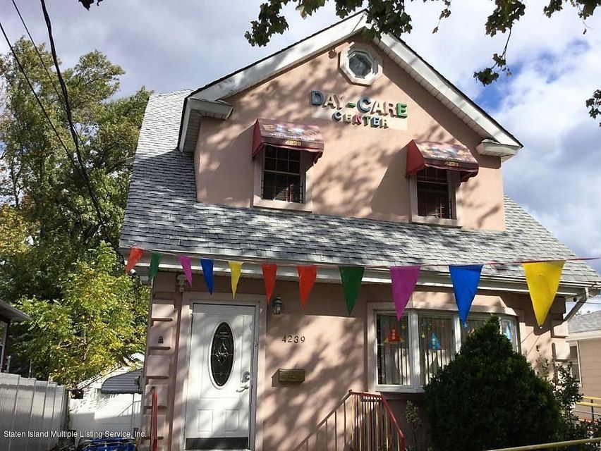 Single Family Home for Sale at 4239 Richmond Avenue Staten Island, New York 10312 United States