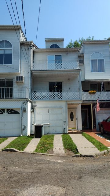 Single Family Home for Sale at 19 Gail Court Staten Island, New York 10306 United States
