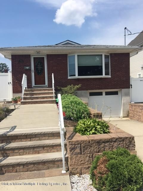 Single Family Home for Sale at 424 Winchester Avenue Staten Island, New York 10312 United States