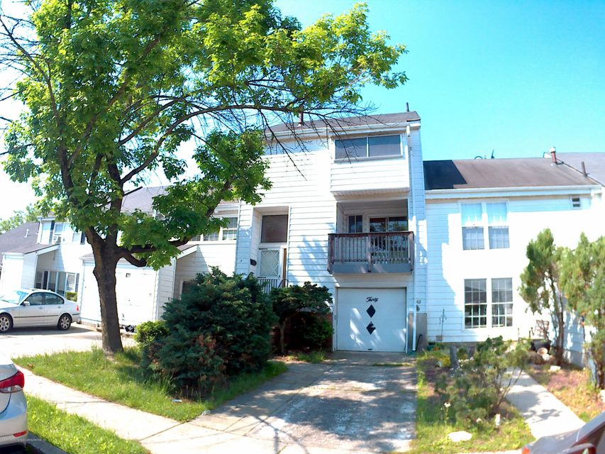 Single Family Home for Rent at 30 Barclay Circle Staten Island, New York 10312 United States