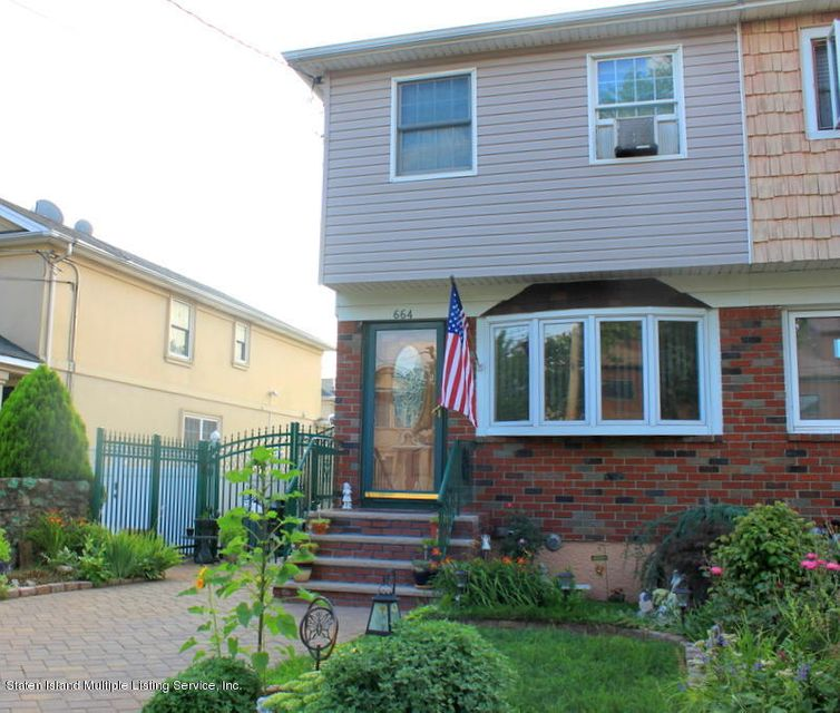 664 Britton Avenue, Staten Island, NY 10304