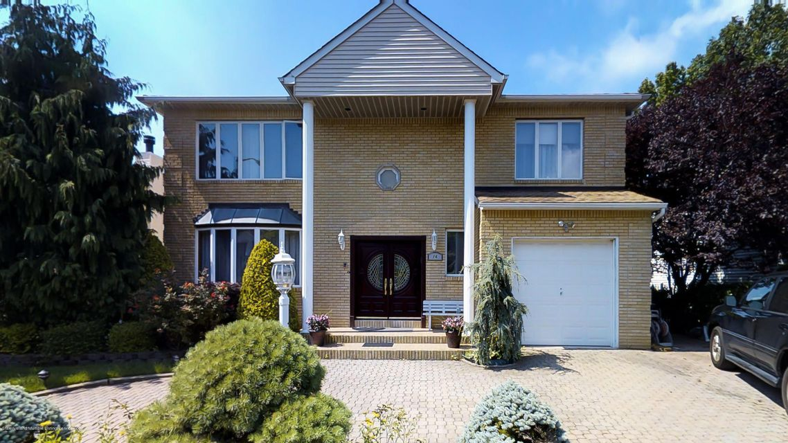 Single Family Home for Sale at 16 Francis Place Staten Island, New York 10304 United States