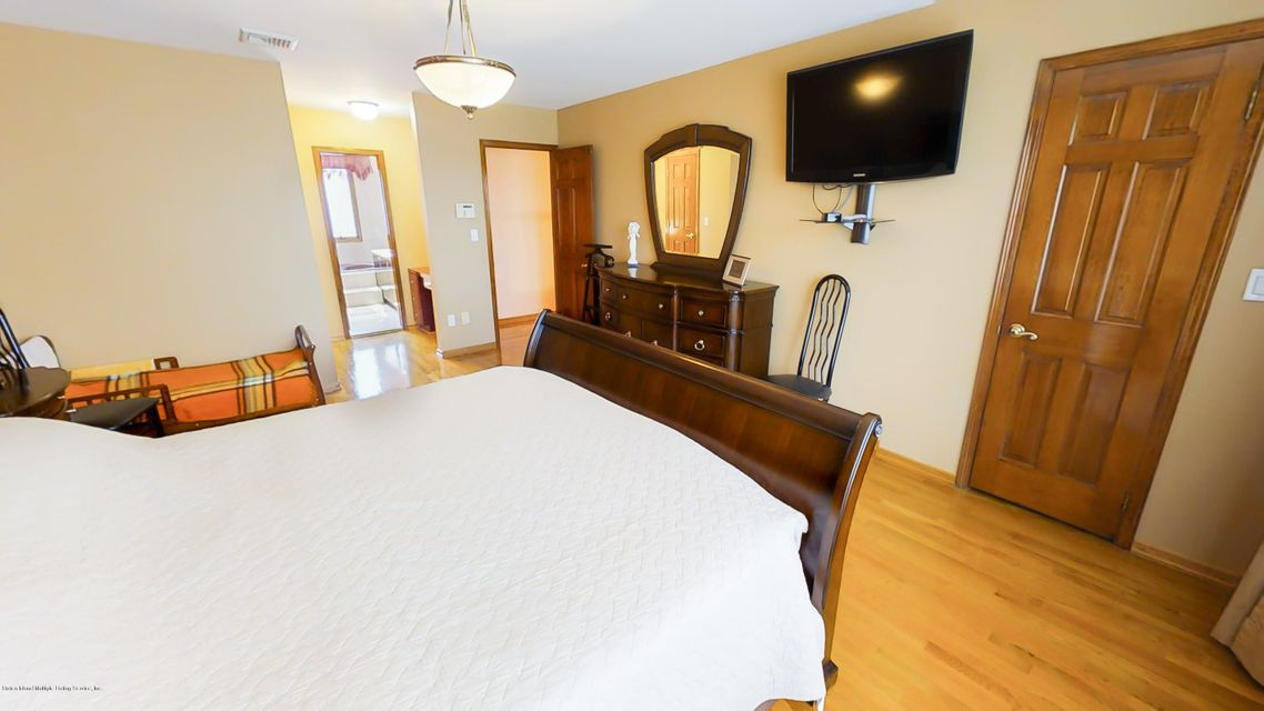 Additional photo for property listing at 16 Francis Place  Staten Island, New York 10304 United States