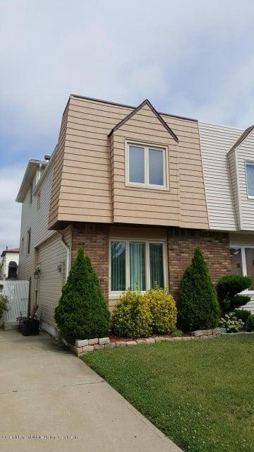 Single Family - Semi-Attached in Great Kills - 327 Brookfield Avenue  Staten Island, NY 10308