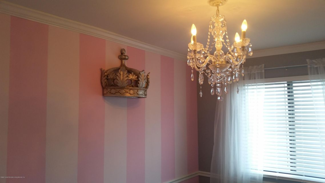 Additional photo for property listing at 160 Dinsmore Street  Staten Island, New York 10314 United States