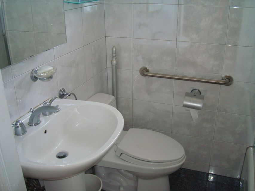 Additional photo for property listing at 152 Otis Avenue  Staten Island, New York 10306 United States