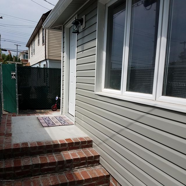 Single Family Home for Sale at 193 Grimsby Avenue Staten Island, New York 10306 United States