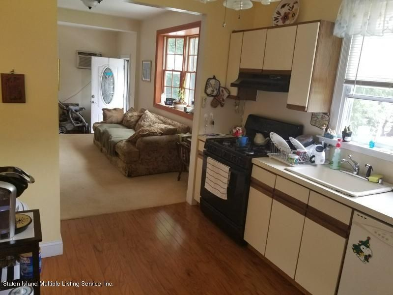 Single Family - Detached 186 Burgher Avenue  Staten Island, NY 10305, MLS-1112508-10