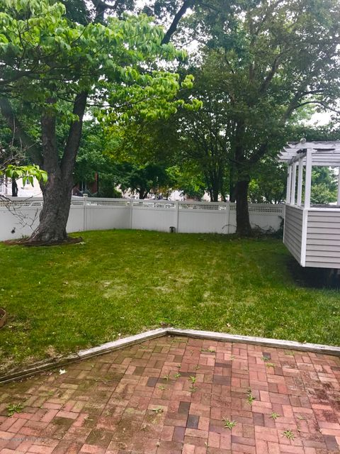 Additional photo for property listing at 301 Wilson Avenue  Staten Island, New York 10312 United States