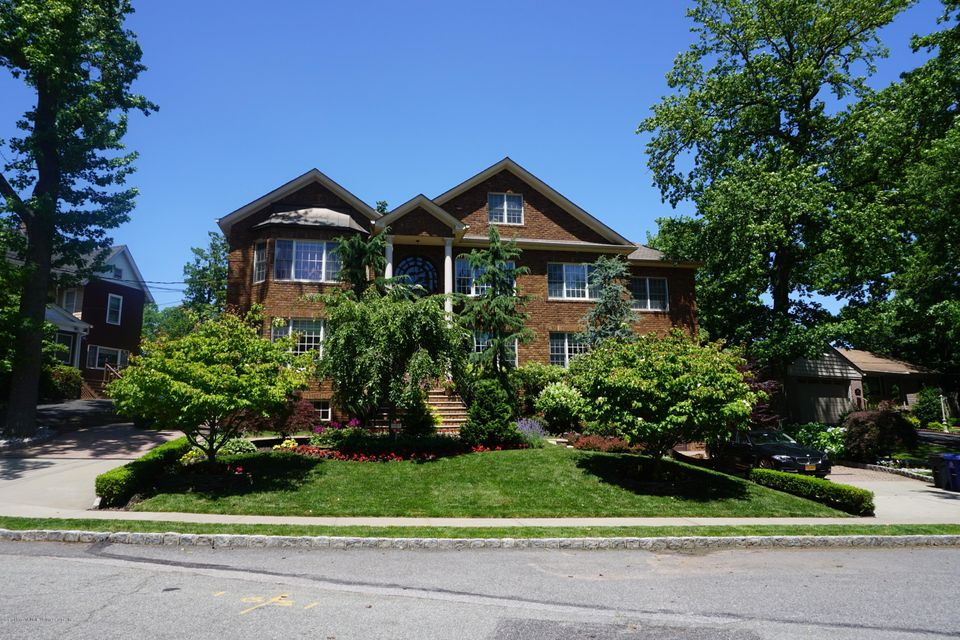 Single Family Home for Sale at 157 Hillside Terrace Staten Island, New York 10308 United States