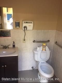 Additional photo for property listing at 1432 Hylan Boulevard  Staten Island, New York 10305 United States