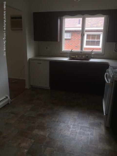 Additional photo for property listing at 14 Rhett Avenue  Staten Island, New York 10308 United States