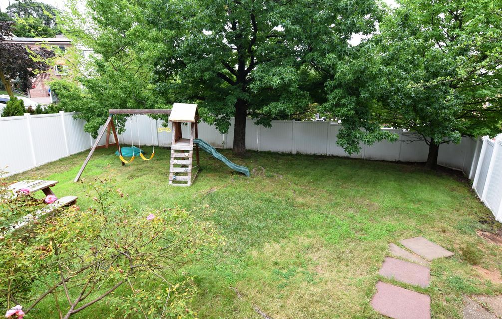 Additional photo for property listing at 217 Spring Street  Staten Island, New York 10304 United States