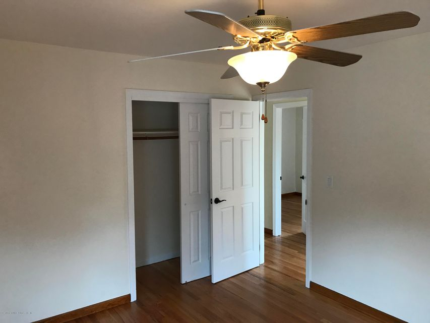 Additional photo for property listing at 190 Cannon Boulevard  Staten Island, New York 10306 United States