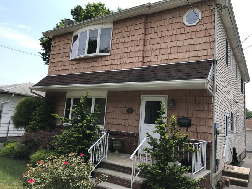 Single Family Home for Rent at 190 Cannon Boulevard Staten Island, New York 10306 United States