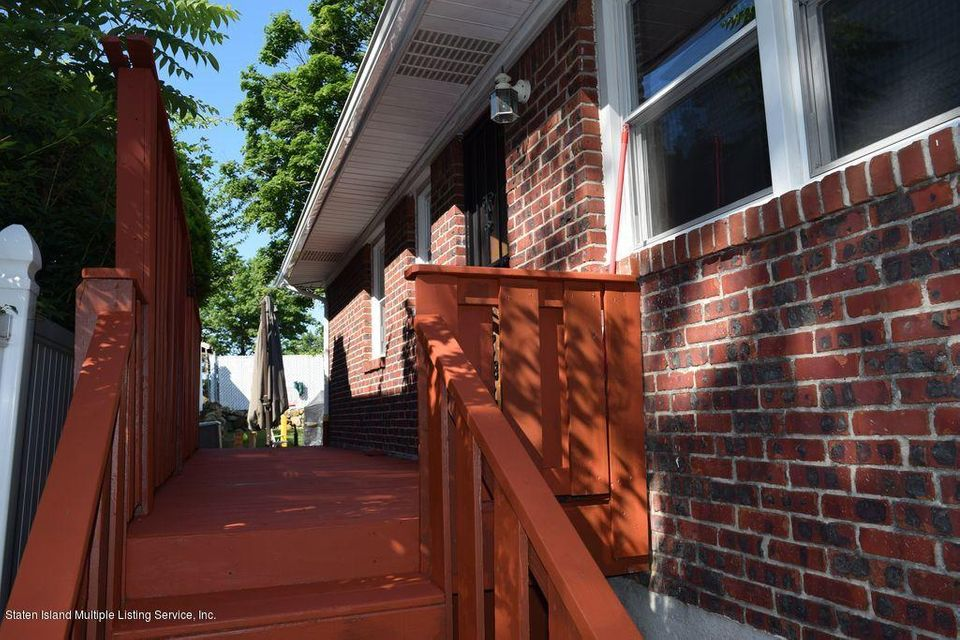 Additional photo for property listing at 192 Winchester Avenue  Staten Island, New York 10312 United States