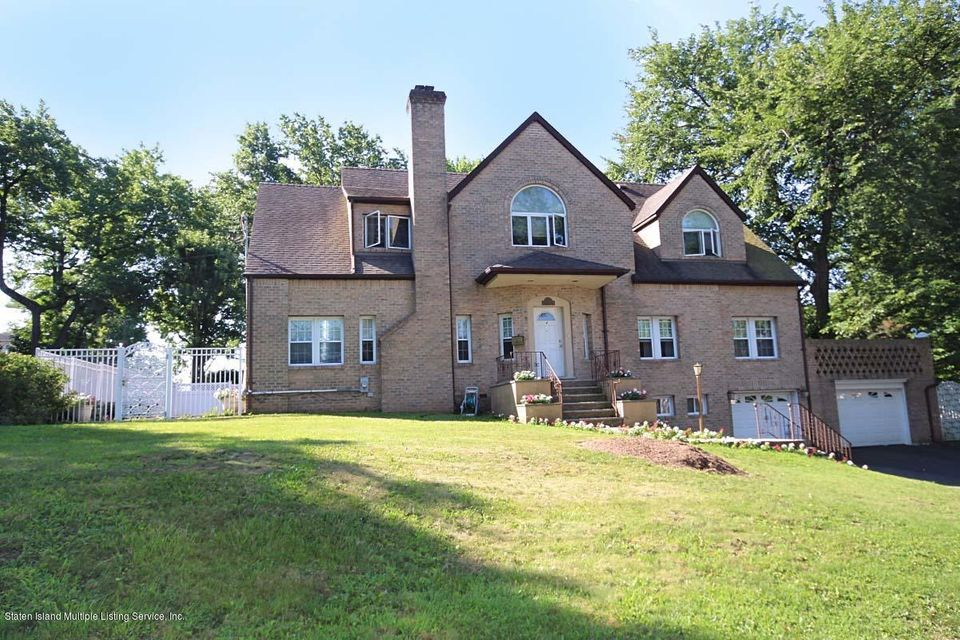 Single Family Home for Sale at 4 Dent Road Staten Island, New York 10308 United States