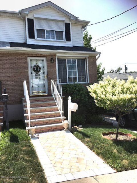 Single Family Home for Sale at 100 Reynolds Street Staten Island, New York 10305 United States