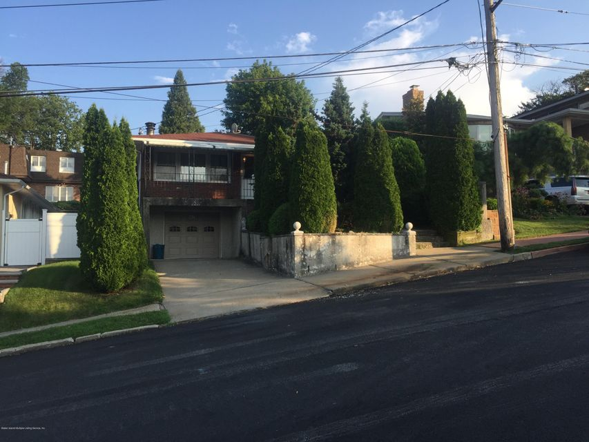 Single Family - Detached in Todt Hill - 47 Greenport Street  Staten Island, NY 10304