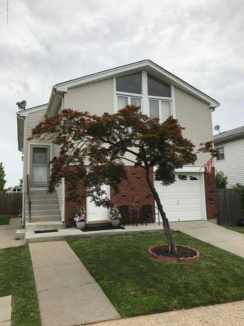 Single Family Home for Sale at 9 Dierauf Street Staten Island, New York 10312 United States