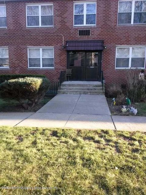 Single Family Home for Sale at 121 Cortelyou Avenue Staten Island, New York 10312 United States