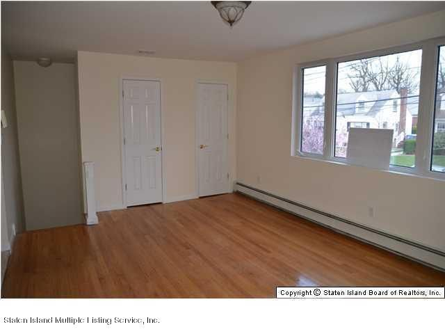 Additional photo for property listing at 87 Margaretta Court  Staten Island, New York 10314 United States