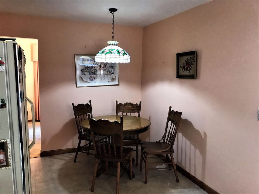 Additional photo for property listing at 171 Barlow Avenue  Staten Island, New York 10308 United States