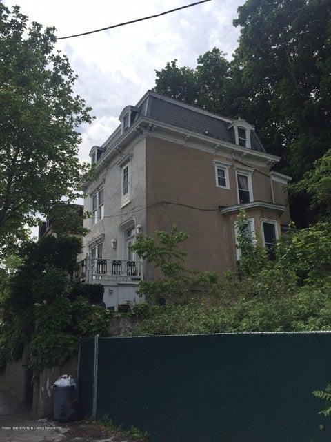 204 Richmond Terrace, Staten Island, NY 10304