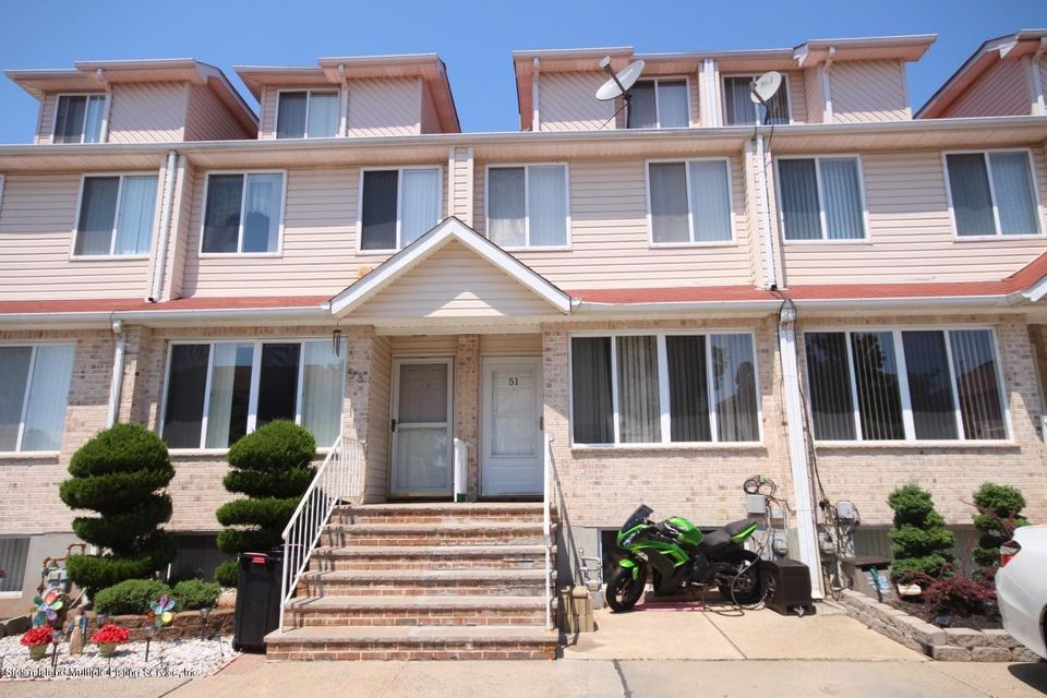 Single Family Home for Sale at 51 Chatham Street Staten Island, New York 10312 United States