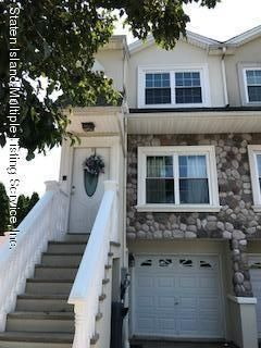 Single Family Home for Sale at 8 Dartmouth Loop Staten Island, New York 10306 United States