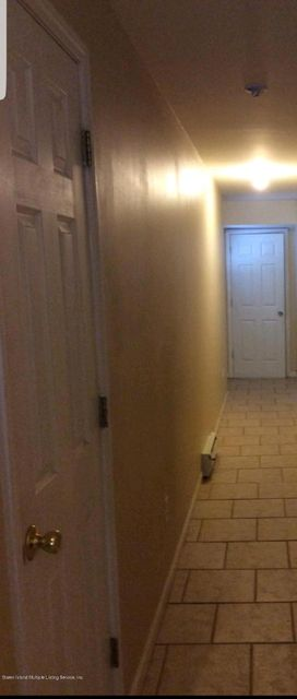Additional photo for property listing at 8 Dartmouth Loop  Staten Island, New York 10306 United States
