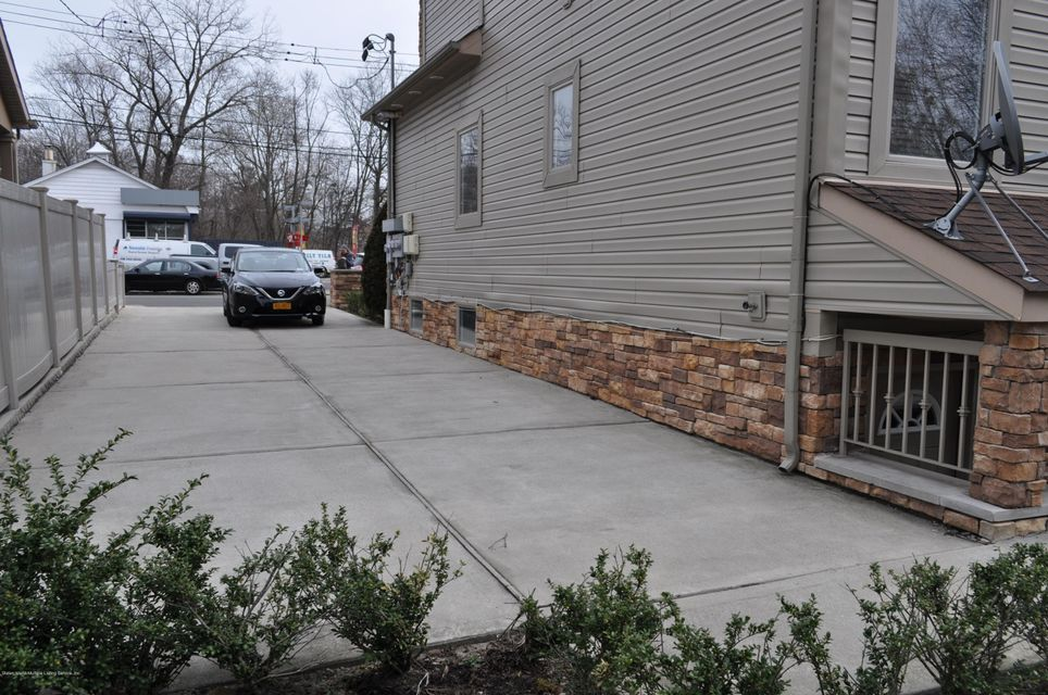 Additional photo for property listing at 5947 Amboy Road  Staten Island, New York 10309 United States