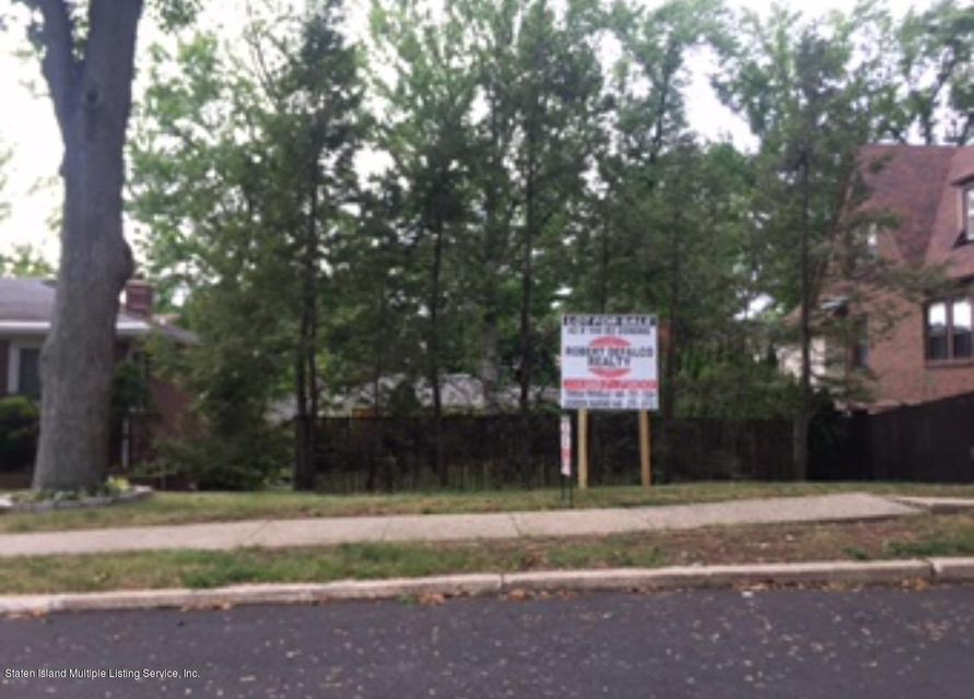 Additional photo for property listing at 37 Foxholm Street  Staten Island, New York 10306 United States