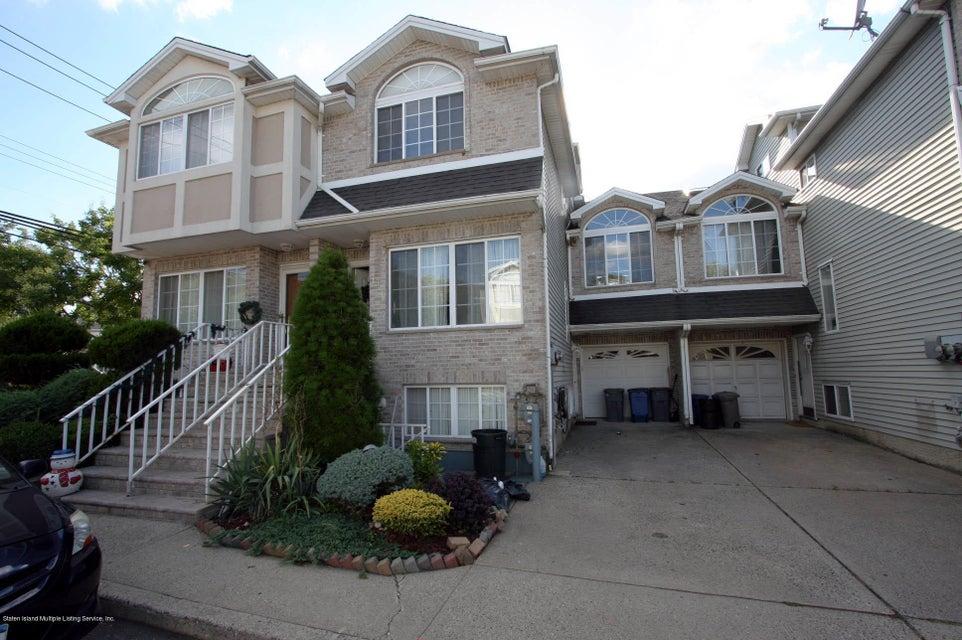 Single Family Home for Sale at 16 Latourette Lane Staten Island, New York 10314 United States