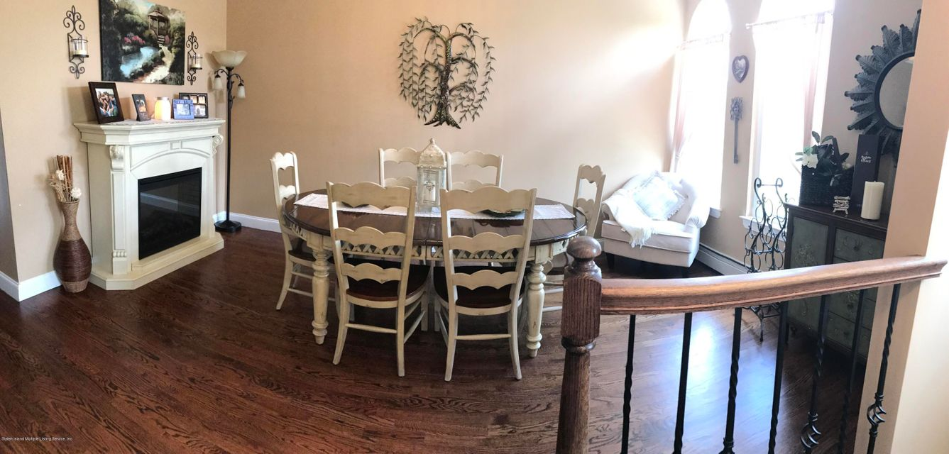 Additional photo for property listing at 198 Presentaion Circle  Staten Island, New York 10312 United States