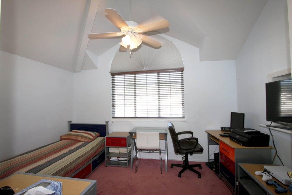 Additional photo for property listing at 16 Latourette Lane  Staten Island, New York 10314 United States