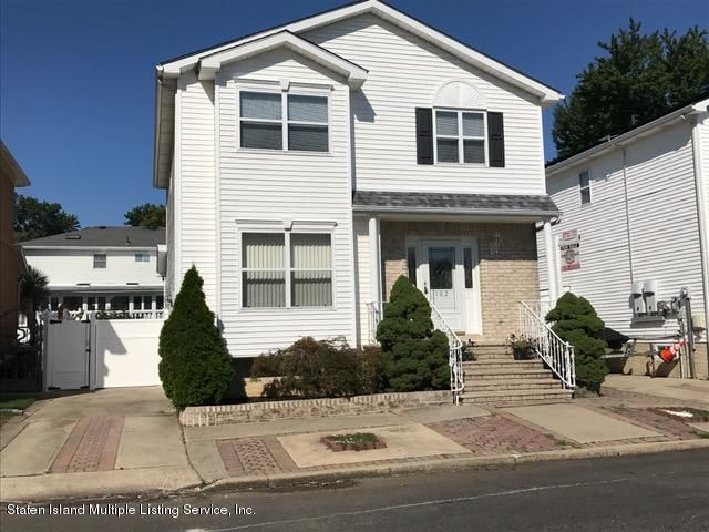 Single Family - Detached 102 Honey Lane  Staten Island, NY 10307, MLS-1110642-2