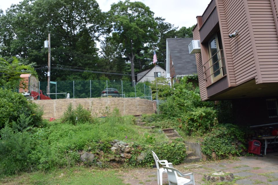 Additional photo for property listing at 43 Woodside Avenue  Staten Island, New York 10304 United States