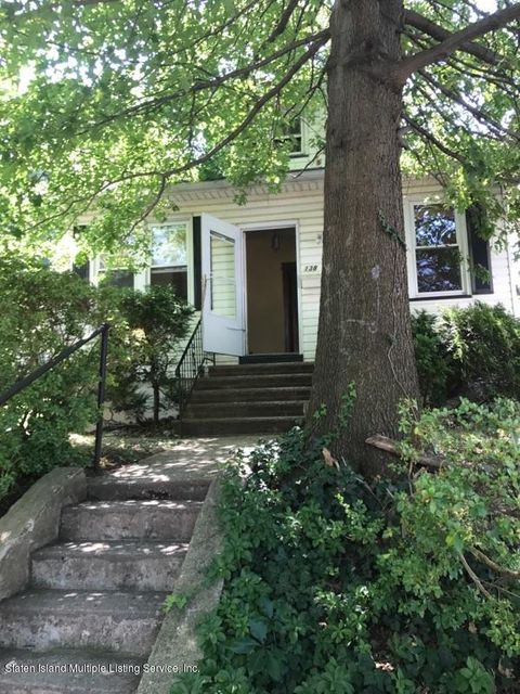 Single Family Home for Rent at 138 Alden Place Staten Island, New York 10301 United States