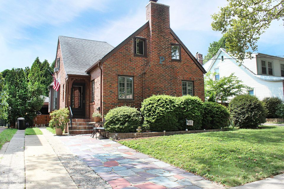 Single Family Home for Sale at 344 Rose Avenue Staten Island, New York 10306 United States