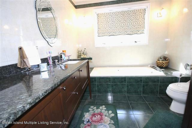 Single Family - Detached 88 Radcliff Road  Staten Island, NY 10305, MLS-1112998-7