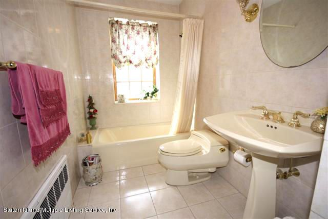Single Family - Detached 88 Radcliff Road  Staten Island, NY 10305, MLS-1112998-6