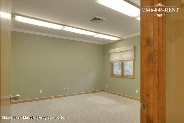 Additional photo for property listing at 698 Forest Ave  Staten Island, New York 10310 United States