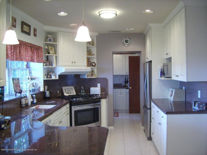 Single Family - Detached 88 Radcliff Road  Staten Island, NY 10305, MLS-1112998-14