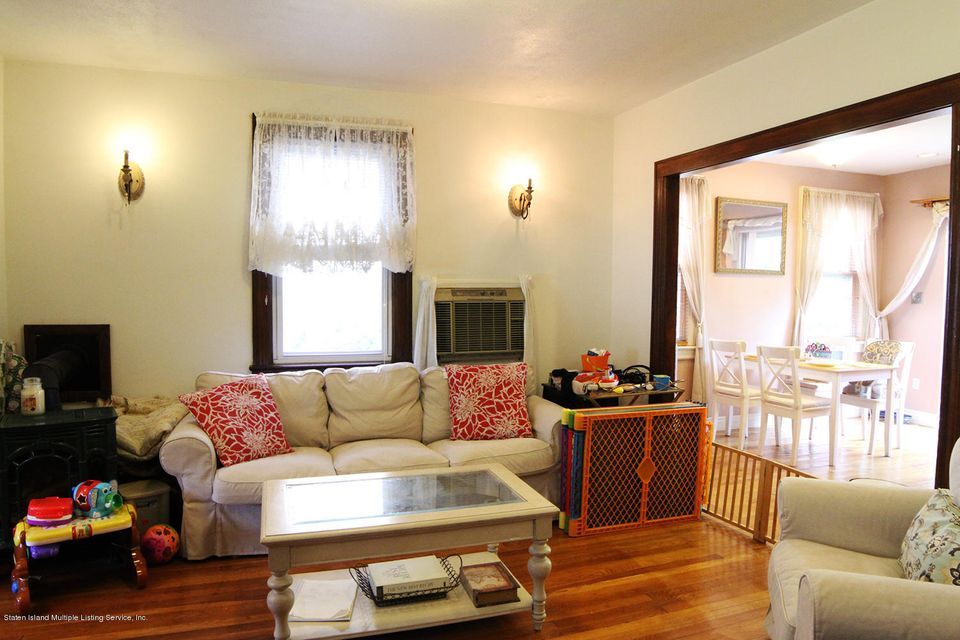 Additional photo for property listing at 411 Little Clove Road  Staten Island, New York 10301 United States