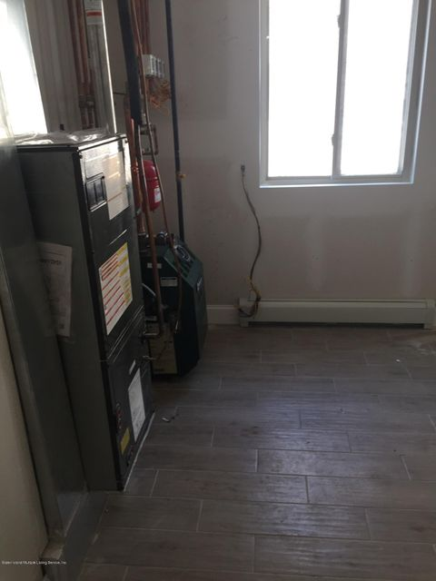 Additional photo for property listing at 406 Manhattan Street  Staten Island, New York 10307 United States
