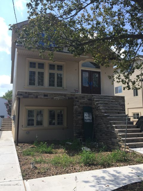 Single Family Home for Sale at 406 Manhattan Street Staten Island, New York 10307 United States