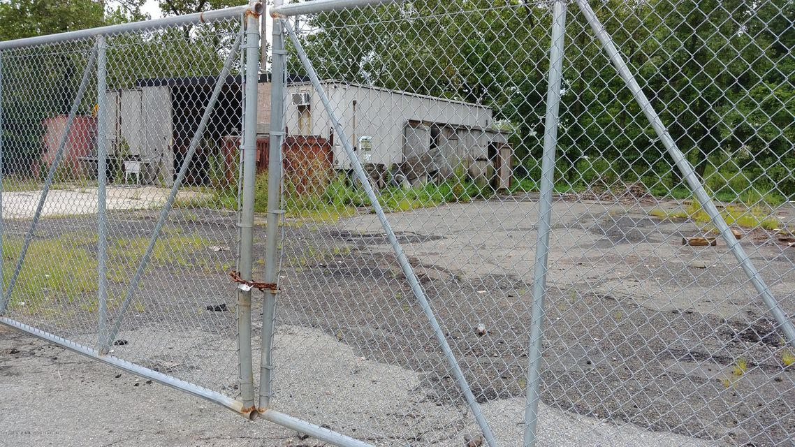 Additional photo for property listing at 0 Veterans Road  Staten Island, New York 10309 United States