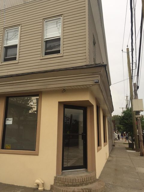 Commercial for Rent at 512 Tompkins Avenue Staten Island, New York 10305 United States